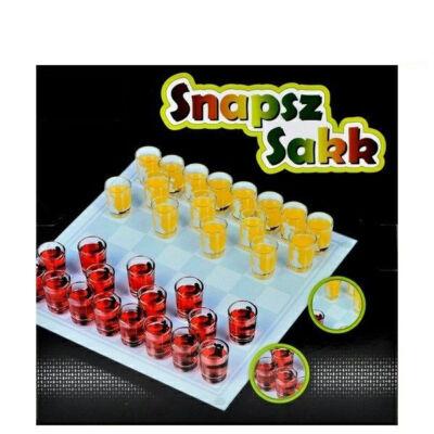 sakk; snapsz; ivós játék; pálinka; vodka; ital; játék; szórakozás; alkohol;18+; felnőtt;